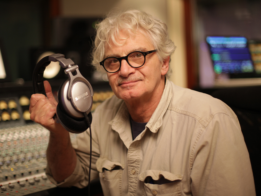 Jack Douglas a comme producteur un CV long comme ... Aerosmith, New York Dolls, Cheap Trick, Lou Reed... A 73 ans ce n'est pas encore l'heure de la retraite...